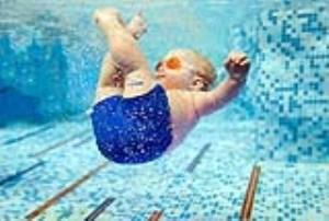 آنچه از شنا کردن نوزادان باید بدانید (بخش اول)