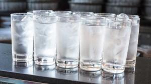 نوشیدنی های خوب و بد فصل گرما