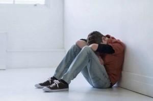افسردگی در نوجوانی، علائم و درمان آن