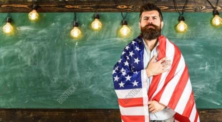 رفتار وحشیانه معلم آمریکایی با یک دانشآموز