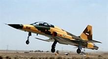 اولین حضور هواپیمای جنگنده ایرانی کوثر در روز ارتش