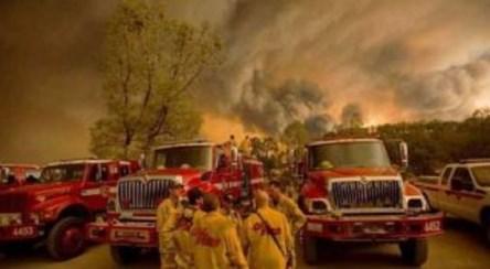 آتشسوزی مردم کالیفرنیا را از خانههایشان فراری داد