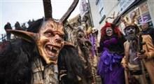 مراسم وحشت انگیز رژه شخصیتهای شیطانی به مناسبت کریسمس