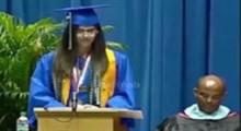 قطع کردن صدای دختر ایرانی در دانشگاه آمریکایی