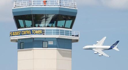 مشاغل پراسترس دنیا ؛ در برج مراقبت چه میگذرد؟
