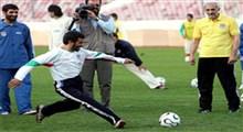 داستان عکس معروف احمدینژاد با لباس تیم ملی