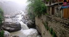 عبور دلهرهآور از رودخانه در چهارمحال و بختیاری