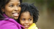 دستگیری مادر آمریکایی در مقابل فرزند خردسالش