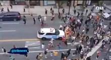 صحنهای عجیب از حمله و زیرگرفتن معترضان آمریکایی توسط پلیس نیویورک!