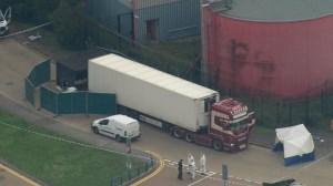 کشف ۳۹ جسد در یک کامیون در جنوب بریتانیا