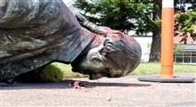معترضان آمریکایی مجسمه جورج واشنگتن در شهر پورتلند را به زیر کشاندند