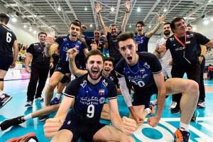 تشویق تمام عیار ایرانیها توسط بحرینیها در فینال مسابقات والیبال قهرمانی جهان