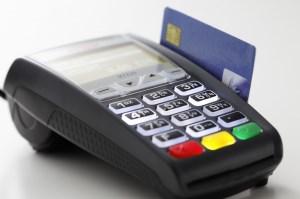 حدود 7 میلیون کارتخوان بدون هویت در کشور وجود دارد/حسابهای بانکی با گردش بالای ۵ میلیارد تومان بررسی میشوند