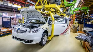 وزارت دفاع برای بومیسازی صنعت خودرو چه اقداماتی انجام داده است؟