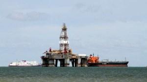 رویترز خبر داد؛نختسین نفتکش حامل سوخت ایران وارد آبهای ونزوئلا شد