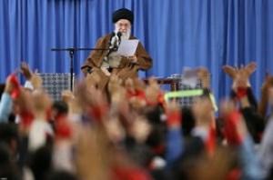 رهبر انقلاب در دیدار دانشآموزان و دانشجویان: آمریکا در چالش ۴۰ ساله با ایران همواره مغلوب بوده است