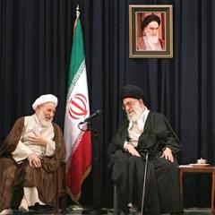 تصاویری از آیتالله محمد یزدی در کنار رهبر انقلاب