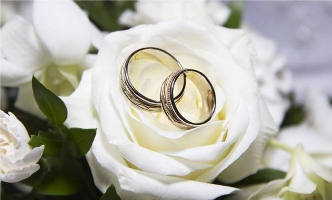 ازدواج مایه آرامش انسان