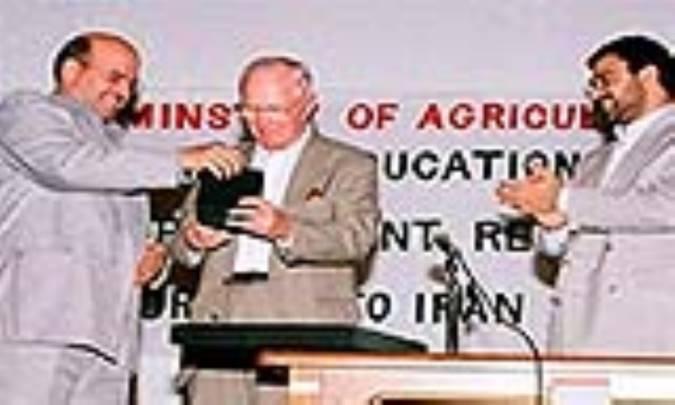 اسناد اقدامات ضدبشري بورلاگ و ردپاي مامور راکفلر در کشاورزي ايران