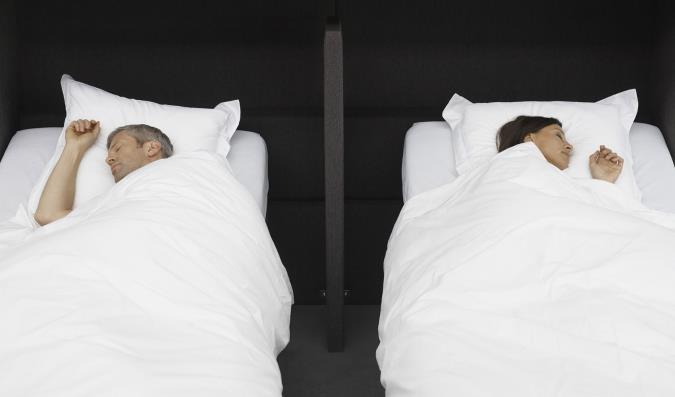 معایب و مزایا جدا خوابیدن زن و شوهر