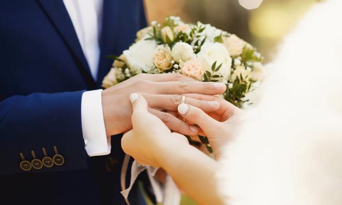 بررسی اختلاف سنی مرد و زن در ازدواج