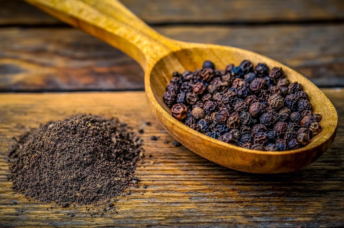 بهترین ادویه ها و گیاهان دارویی برای کاهش وزن