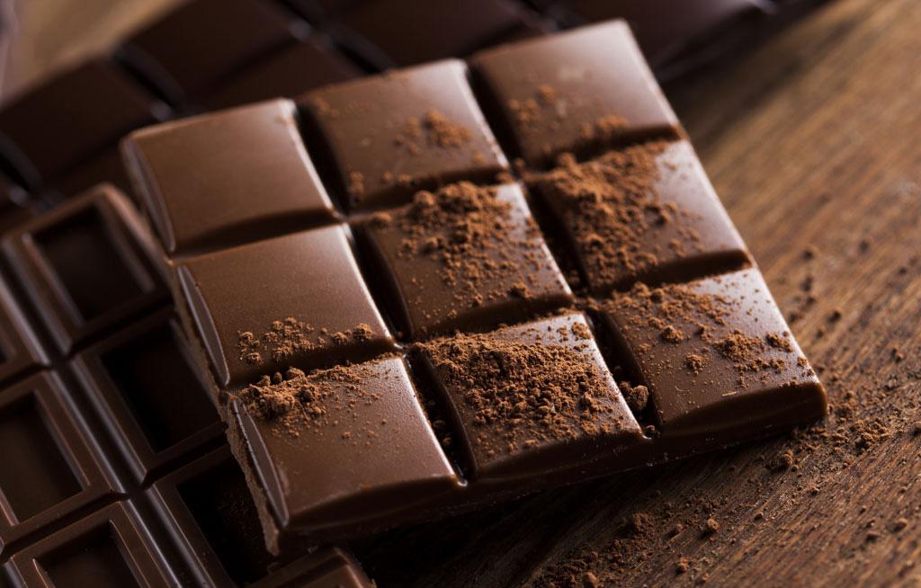 آشنایی با فواید و عوارض شکلات تلخ