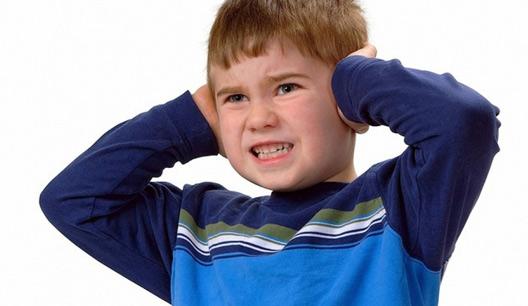 چرا کودک به دستوراتی که می دهم بی توجه است؟