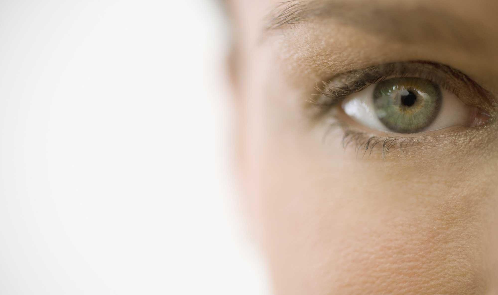 چگونه تماس چشمی برقرار کنیم ؟