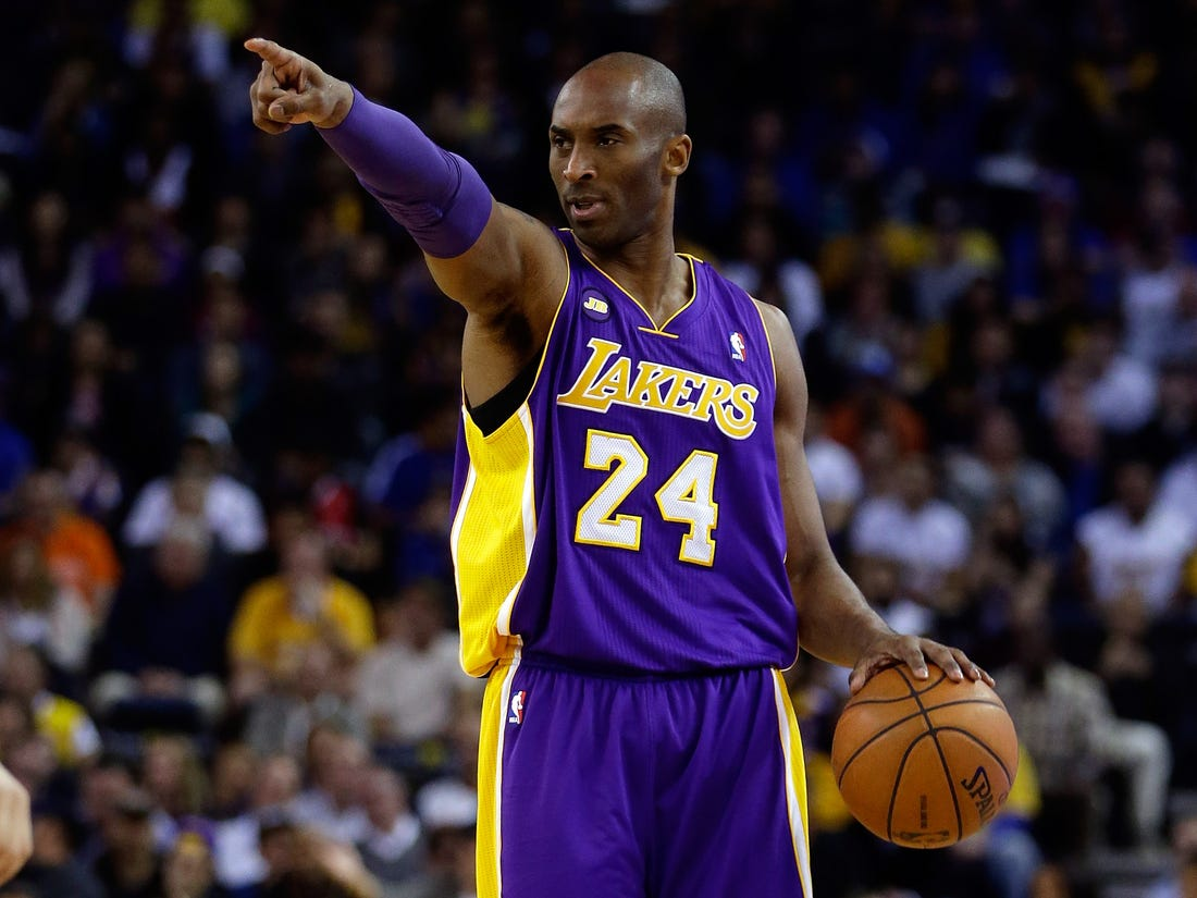picture of kobe bryant dunking