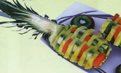 تزئين آناناس براي ميز دسر