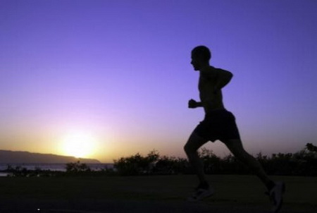 چه وقتی از روز ورزش کنیم؟