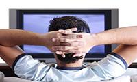 مشاهده فیلم و عکسهای مبتذل چه حکمی دارد؟